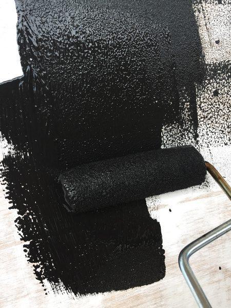 黒板の下地のマグネット塗料