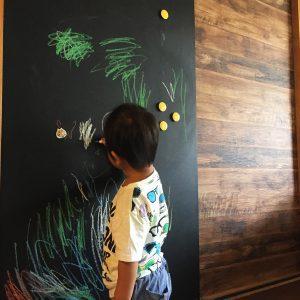 黒板塗料とマグネット塗料で黒板を自作