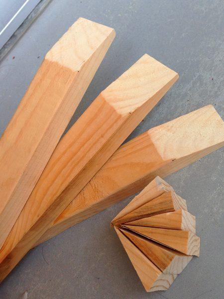 端材で作った天板の裏桟