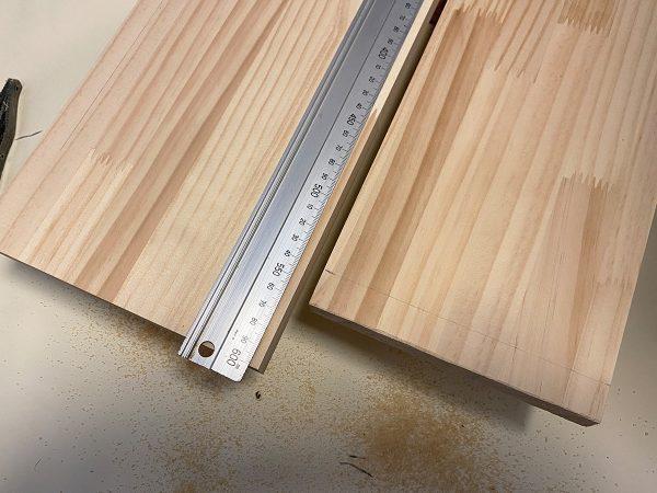 キッチンラックの材料(側板)