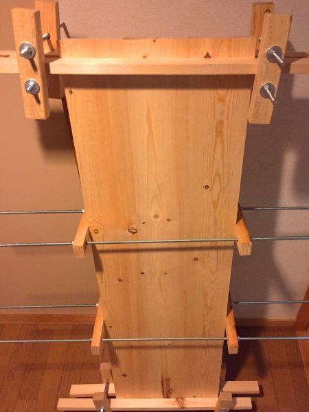 ワンバイ材の天板を自作クランプで固定