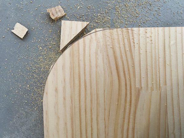 ランドセルラックの自作、側板の上部を丸く処理