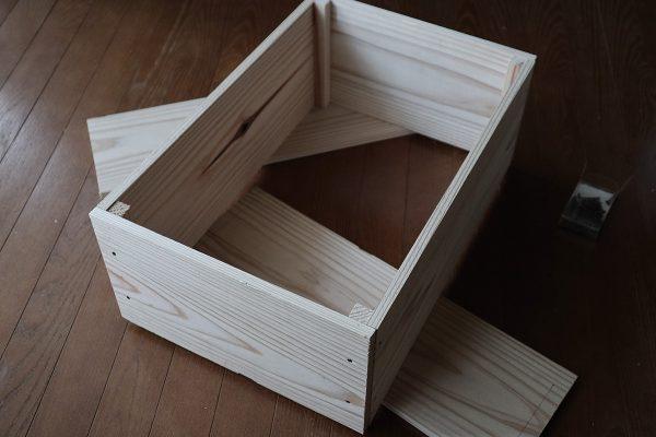 自作の木箱の組立