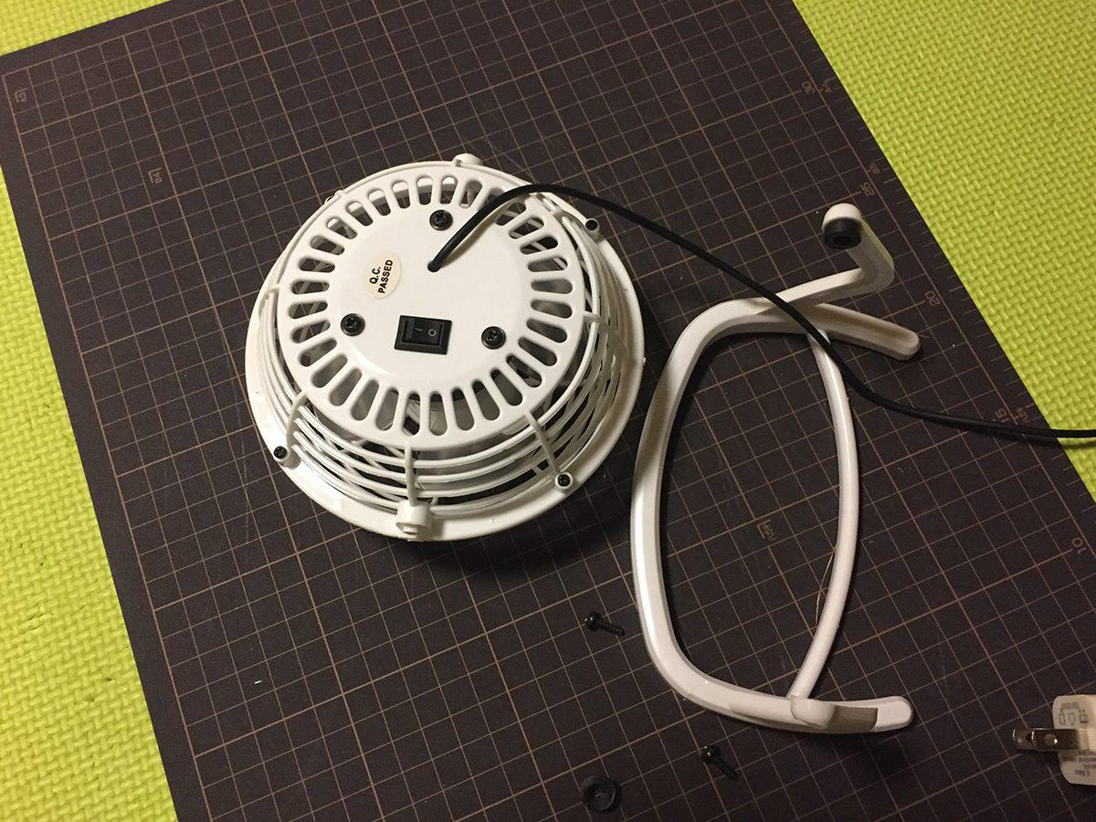 100円ショップの扇風機(200円商品)